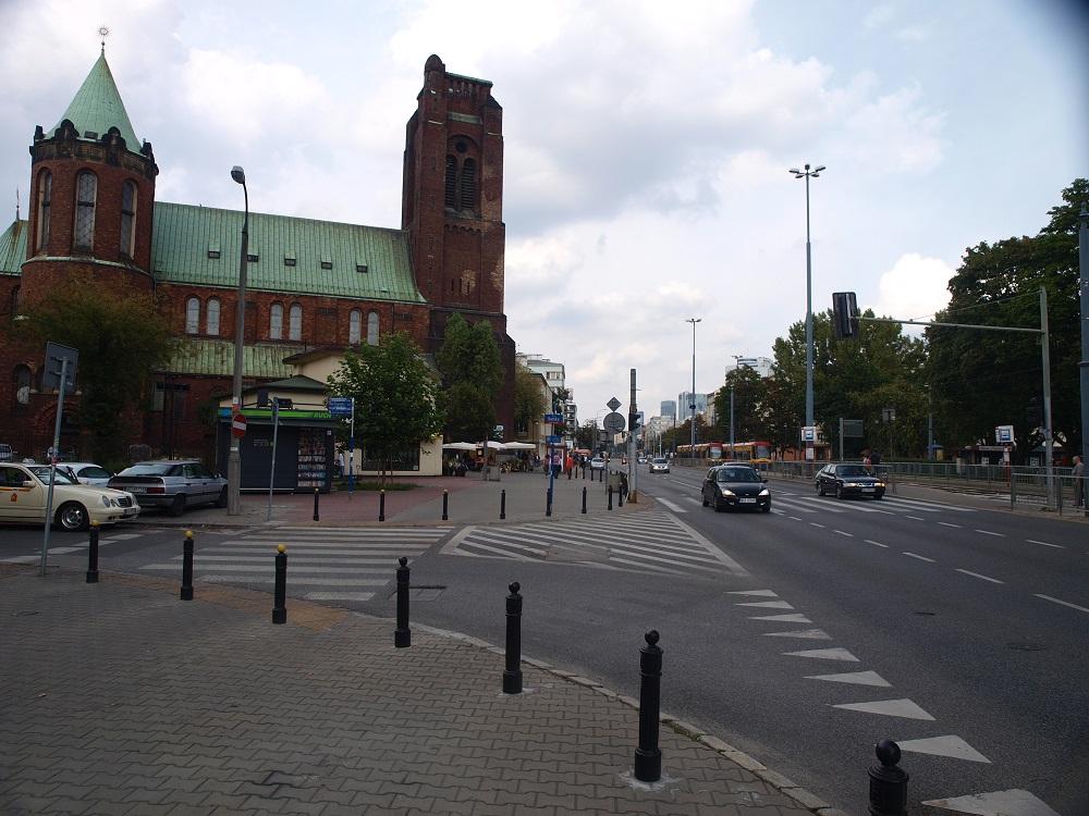 Przebudowa placu Zawiszy i remont placu Narutowicza.